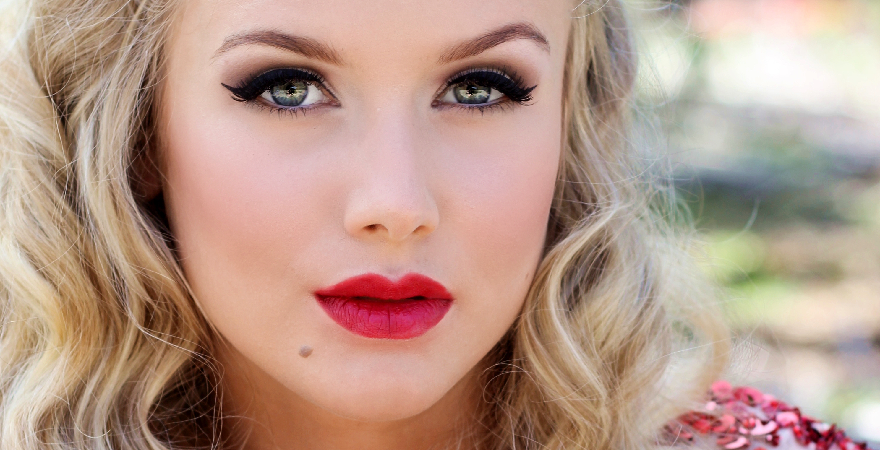 makeup, red lips, portrait, photography, blonde