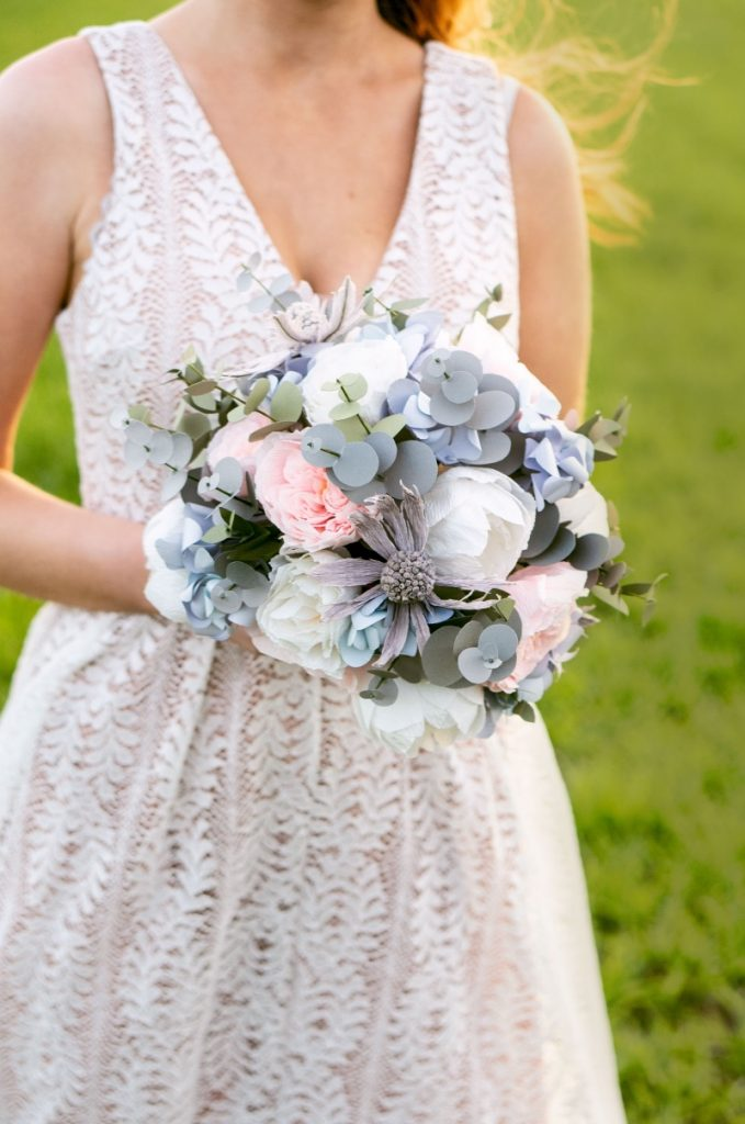 paper-flowers-bouquet-bride