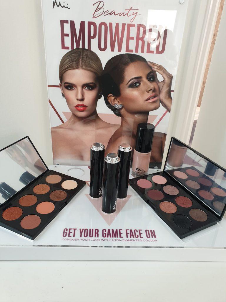mii cosmetics stand